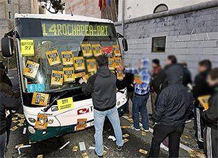 Greba Orrokorra / Aspecto de una Huelga General en Euskal Herria, con piquetes obreros realizando su tarea de información en pro del derecho a la existencia y al trabajo.