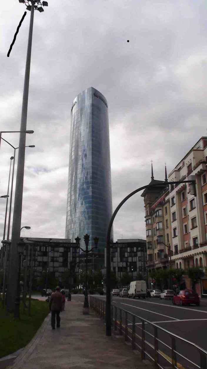 Edificio de Iberdrola en Abando Ibarra (Bilbao), reflejo urbanístico de la relación finanzas, administraciónes públicas y energía.