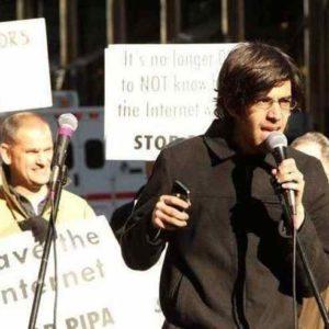 Resistencia Internauta Global: De Aaron Swartz a Ian Murdock, la lucha sigue.