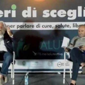 """[ACTUALIZADO] El psiquiatra y filósofo Alessandro Meluzzi jura que """"los VIPs reciben 'vacunas falsas""""."""
